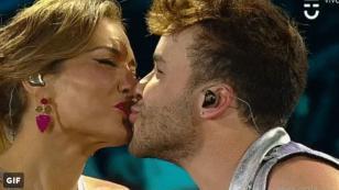 Prince Royce sorprendió a presentadora chilena en Viña del Mar