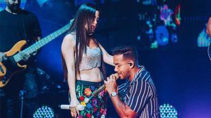 Romeo Santos y Natti Natasha cautivaron a su público bailando 'La mejor versión de mí'
