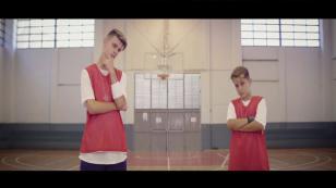 'Solo amigos', la canción que asentó la fama de Adexe & Nau [VIDEO]