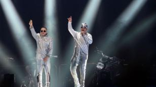 Wisin y Yandel estrenan videoclip del tema 'Dame algo' junto a Bad Bunny