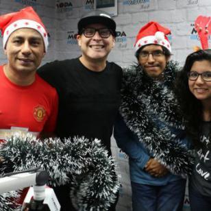 ¡Carloncho y la gentita de MODA te saludan por Navidad! [VIDEO]