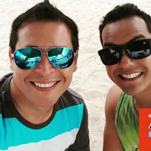 ¡Vacílate con las nuevas 'impros' de verano de Carloncho y Renzo!