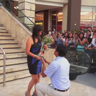 Esta pedida de matrimonio conmueve en las redes sociales [VIDEO]