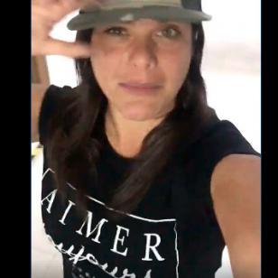 ¡Giovanna Valcárcel recibió regalitos en cabina! [VIDEO]