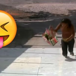 ¡La broma del piso pegajoso hará que estalles de risa! [VIDEO]