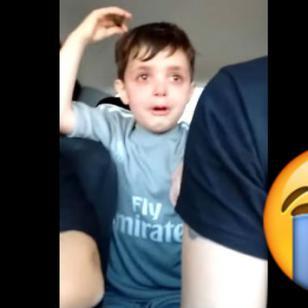 ¡Y dicen que solo es fútbol! Este niño no pudo contener las lágrimas por esta razón
